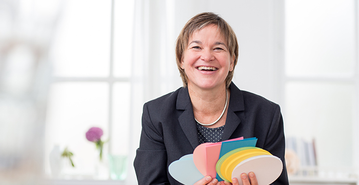 Mediation und Konfliktberatung Freiburg, Antonia Engel, als Moderatorin gestalte ich produktiv spannungsreiche und herausfordernde Veränderungs- und Entwicklungsprozesse inhaltlich und atmosphärisch