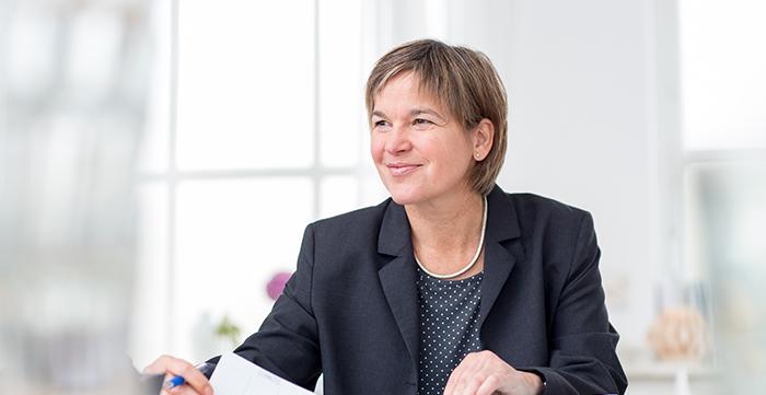 Mediation und Konfliktberatung Freiburg, Antonia Engel, Zur Person: Konfliktmanagement und Interkulturalität – der rote Faden in meiner beruflichen Biografie.